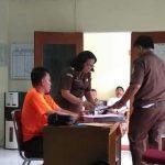 Jaksa Tahan Tersangka Penyulundup Benih Lobster