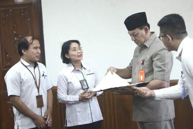 Sekda provinsi Jambi, saat penandatanganan naskah MoU dengan BPS Jambi