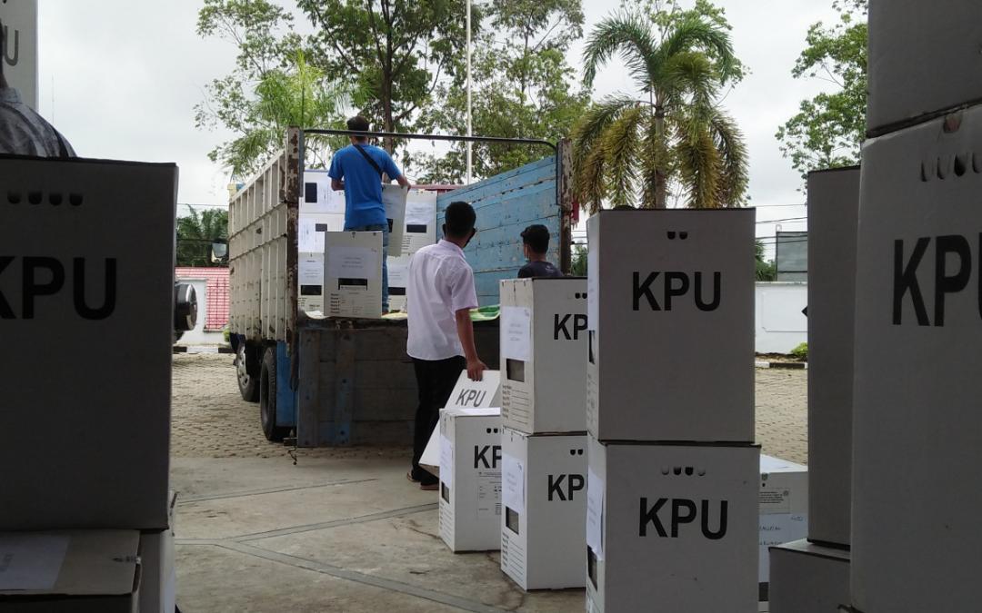 Dinas PMD Distribusikan Logistik Pilkades Kabupaten Tebo