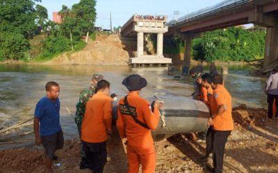 Pekerja Proyek Jembatan Hilang Terseret Arus Sungai Batang Merangin